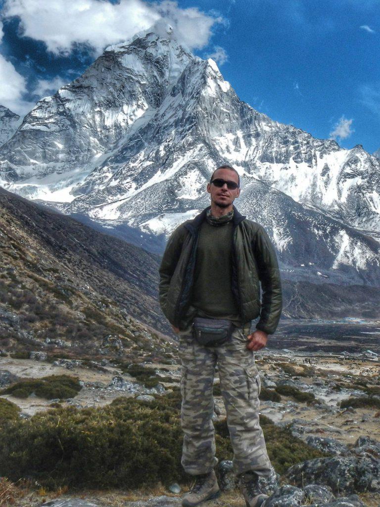 Денис -инструктор треккинга в Непал