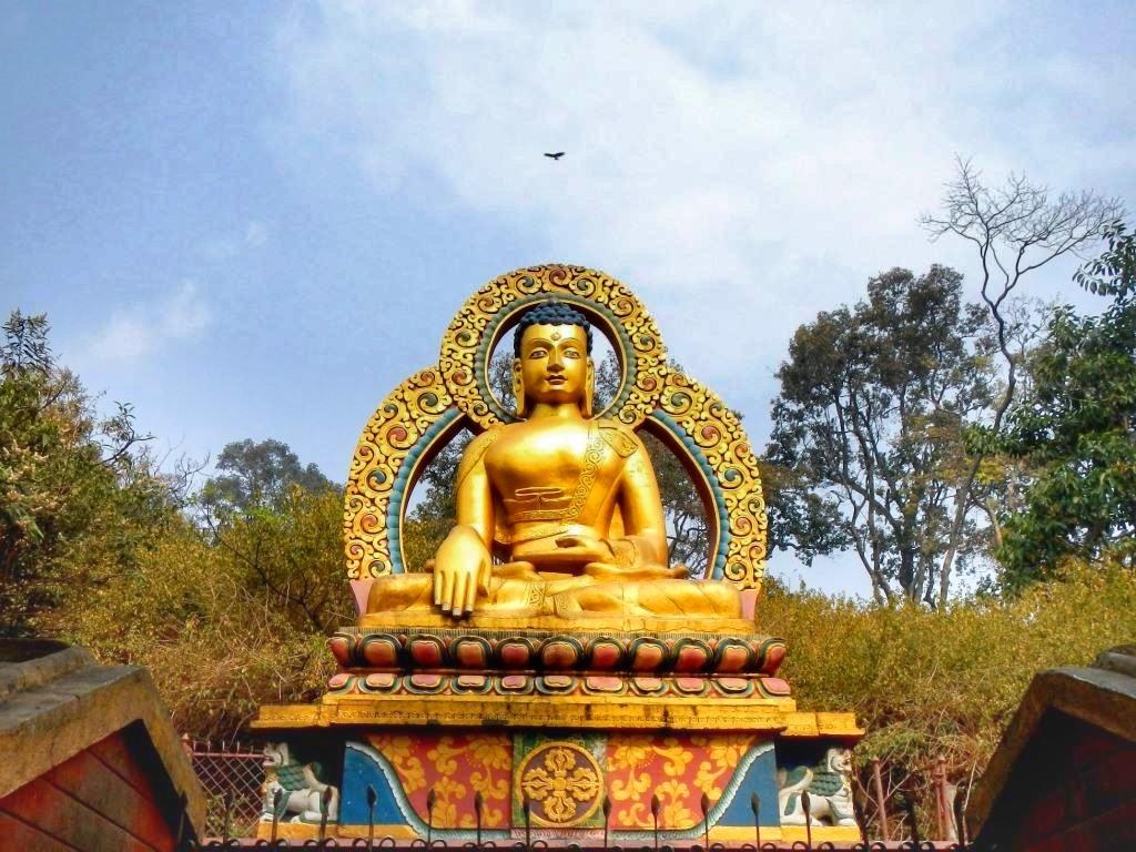 Статуя Будды в Непале