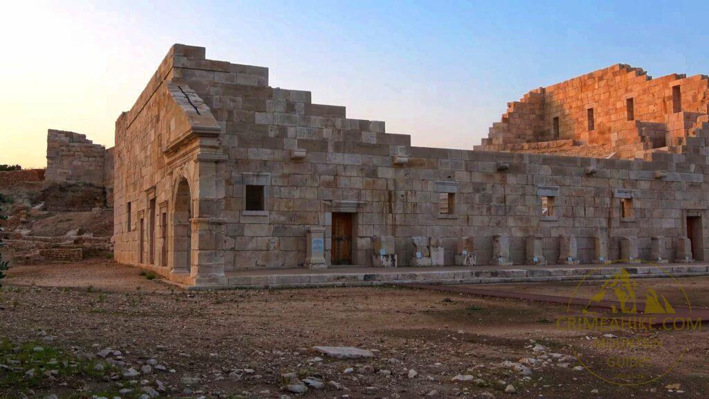 Руины храма в Патаре
